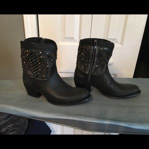 Distressed Black Frye Boots